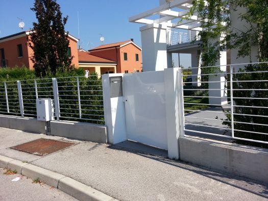 Offerte speciali parapetti e recinzioni in ferro o acciaio for Recinzioni per ville moderne